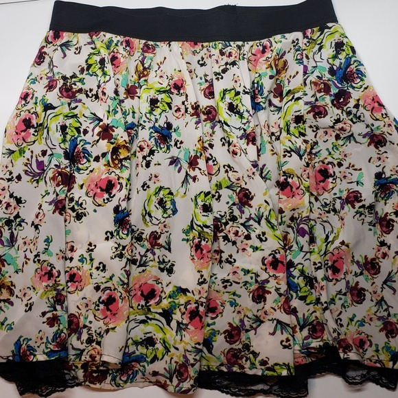 Xhilaration Dresses & Skirts - Xhilaration Womens Floral Print Skirt Size Large